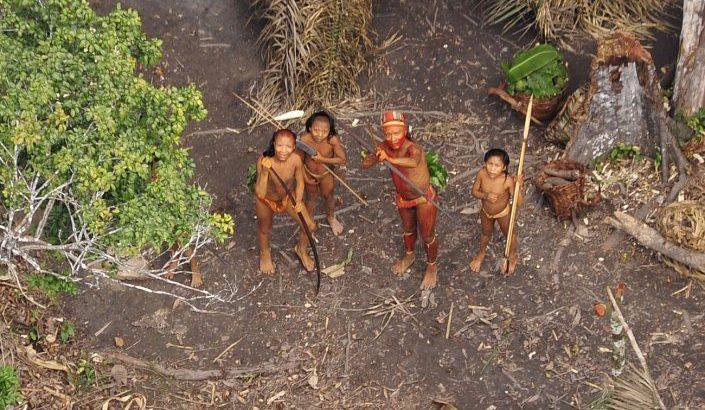 Os missionários religiosos estão proibidos de entrar em terras indigenas isoladas - foto: AFP
