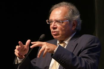 Ministro Paulo Guedes atribui alta a consumo motivado pelo auxílio emergencial (Agência Brasil/ Divulgação)