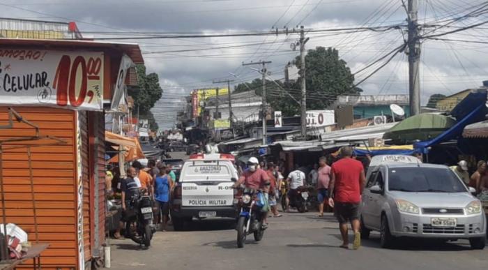Pessoas se aglomerando em feira da zona leste de Manaus - foto: reprodução