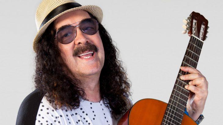 O cantor nascido em Ituaçu, na Bahia, projetou a carreira com o grupo Novos Baianos - foto: divulgação