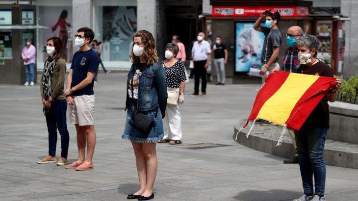 Governo espanhol quer livre circulação de turistas entre as fronteiras européias, mediante cuidados sanitários, para reativar o turismo e o comércio, e com isso alavancar a economia dos países do bloco (Reprodução/Reuters)