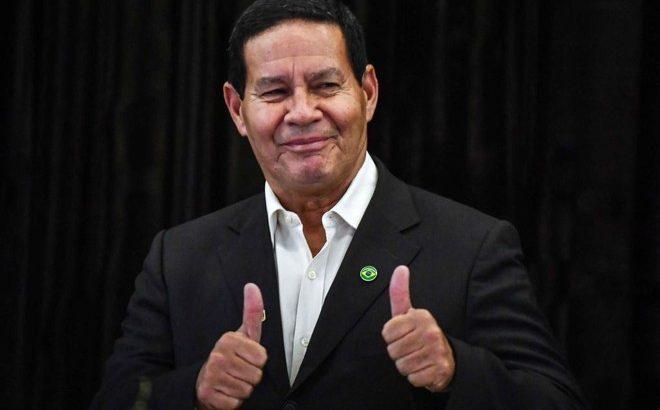 Em live, Vice - presidente Hamiltom Mourão assumiu o que todo mundo já sabe: o governo Bolsonaro está loteando cargos por votos, junto ao 'Centrão' (Reprodução/Gazeta do Povo)