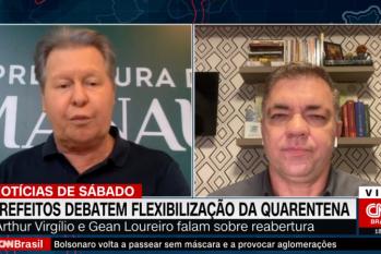 À esquerda, o prefeito de Manaus, Arthur Virgílio Neto e à direita, o prefeito de Florianópolis, Gean Loureiro participam de entrevista. - (Reprodução/Internet)