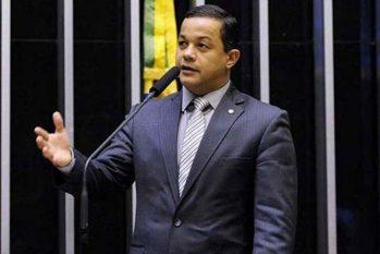 Delegado Pablo é alvo da PF por crimes de corrupção, falsidade ideológica e lavagem de dinheiro no AM
