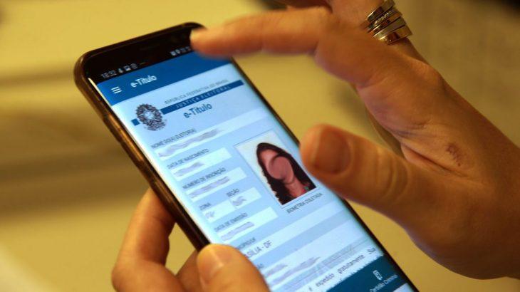 Por enquanto, o aplicativo somente aceitará as justificativas depois da votação, como já é feito no Portal do TSE na internet.(Marcelo Casall/Agência Brasil)