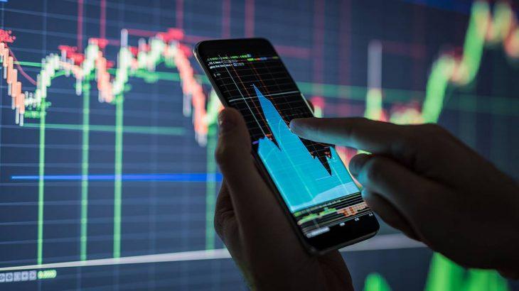 De janeiro a abril, são R$ 33 bilhões a mais no mercado acionário vindos de brasileiros - foto: Istock