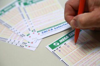 Mega-Sena acumulou prêmio e sorteio acontece na quarta-feira, 23 (Divulgação)