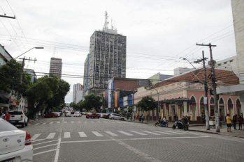 Comércio fechado em Manaus - Foto: Sandro Pereira