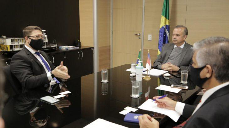 Vice-governador do Amazonas, Carlos Almeida disse que os projetos arquitetônicos do programa Minha Casa, Minha Vida precisam ser revistos (Secom)