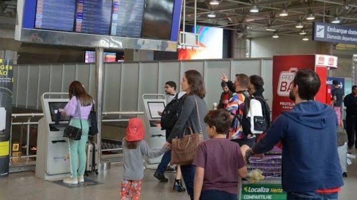Há ainda exceções para estrangeiros que estejam realizando transportes de cargas ou que estejam em trânsito internacional (Reprodução/Internet)