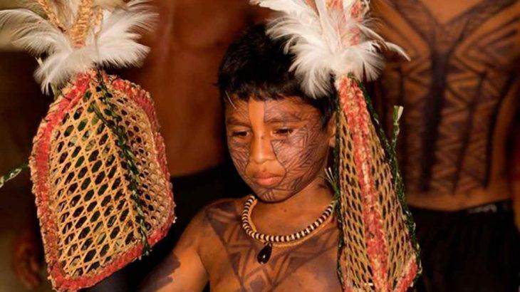Donos de uma cultura milenar, os Sateré-Mawé estão receosos com o contágio pela Covid-19 nas aldeias (Reptodução/EditoraMundo e Missão)
