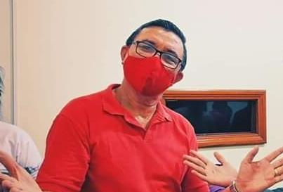 Prefeito Antônio Peixoto, de Itacoatiara, no Amazonas, reassumiu o posto na última terça-feira, 23, sob fogos e aplausos da população. (Reprodução)