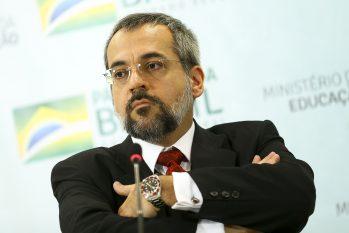 O pedido veio após o ministro recém-demitido anunciar, nas redes sociais, que está de saída do País (Divulgação)