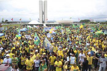 Manifestantes se reúnem em diferentes partes do Brasil para apoiar o presidente (Divulgação)