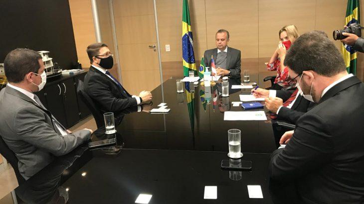 A reunião ocorreu na manhã desta segunda-feira, 15, com o ministro de Desenvolvimento Regional e o deputado federal Marcelo Ramos. (divulgação)