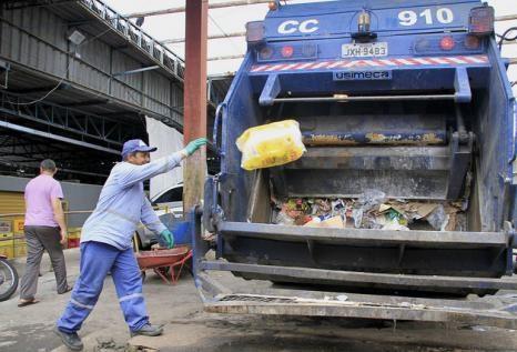 Mesmo com as pessoas em isolamento social, a quantidade de lixo domiciliar durante a pandemia de Covid-19, caiu drasticamente em Manaus. (Reprodução/Internet)