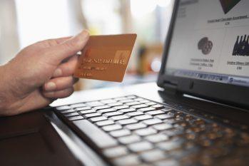 Os executivos relataram que muitos golpes aconteceram através de download de aplicativos falsos, por instrução de fraudadores (Divulgação)