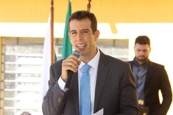 Renato Feder já foi professor de matemática e diretor de escola, além de ser mestre em Economia pela Universidade de São Paulo (USP) (Reprodução/Internet)