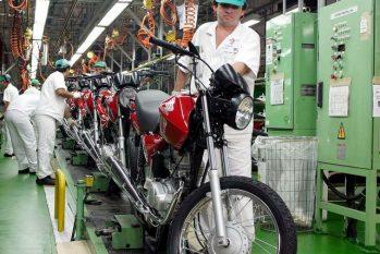 Segundo o vice-presidente da Fieam, Nelson Azevedo, indústria do AM pode sofrer queda ainda maior (Agência Brasil)