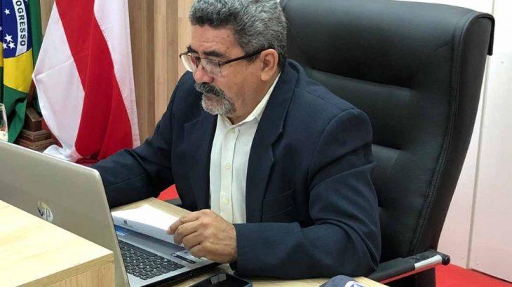 Vereador Jonas Castro, presidente da Câmara Municipal do município, reassumiu o cargo na manhã desta sexta-feira (Reprodução)