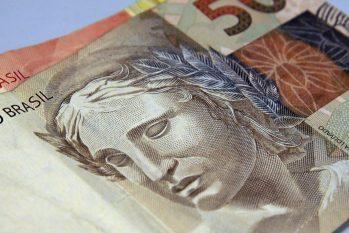 O total enviado equivale a 53,5% das 32 milhões de declarações esperadas para este ano (Marcello Casal Jr/Agência Brasil)