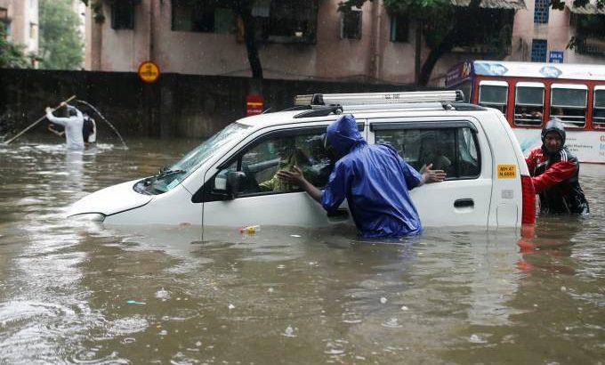 Chuva deixou dezenas de desaparecidos e matou pelo menos 189 pessoas (Divulgação)