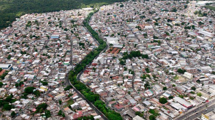 Vista aérea do bairro Coroado, na zona Leste da capital amazonense. (Ricardo Oliveira/ Revista Cenarium)