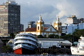 Lanchas, balsas e navios terão limite de capacidade. Distanciamento social e higiene precisam ser cumpridos (Ricardo Oliveira/Revista Cenarium)