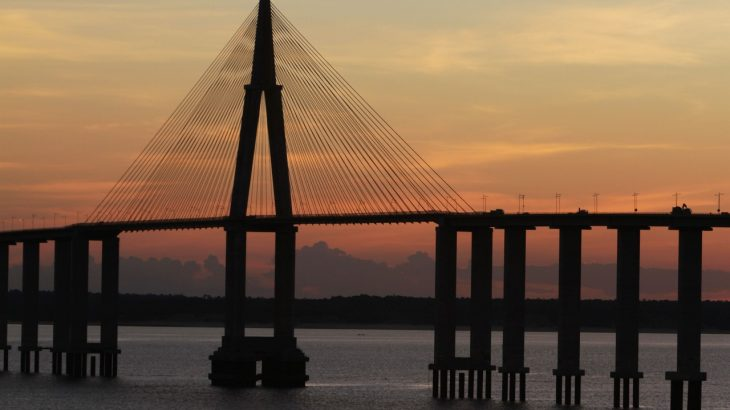 Requerimento pede reforço de gradis de proteção na ponte sobre o Rio Negro. (Ricardo Oliveira/Revista Cenarium)