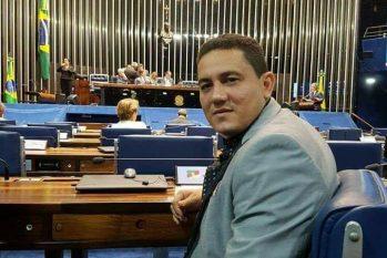 Prefeito Simão Peixoto contratou empresa de varejo para construção de academia em Borba, no Amazonas. (Reprodução/Facebook)