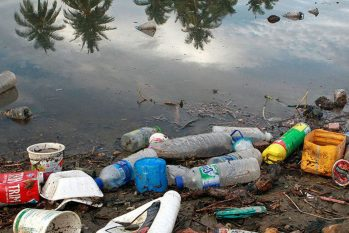 Projeção de lixo nos oceanos é feita pelo estudo Breaking the Plastic Wave. (ONU/ Divulgação)
