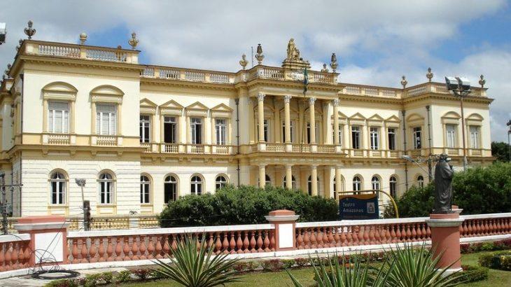Arquitetura do período áureo da borracha, o Palácio da Justiça é uma pérola histórica encravada no centro de Manaus (Reprodução/ Internet)