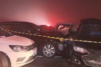 Testemunhas relataram queimada perto do local, o que atrapalhou a visão de quem passava pela estrada (Reprodução/RPC)