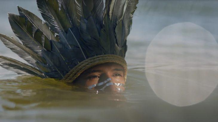 Kunumí MC no clipe de Xondaro Ka'aguy Reguá (Forest Warrior) dirigido pela Angry Films (Divulgação Assessoria/ Revista Cenarium)