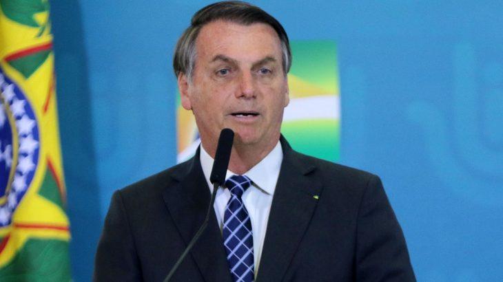 Bolsonaro desiste de criar o Renda Brasil e assegura que manterá o Bolsa Família