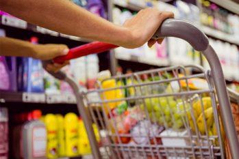 Alta dos alimentos pesa no orçamento e acelera prévia da inflação de setembro em 0,45%(Reprodução/Internet)