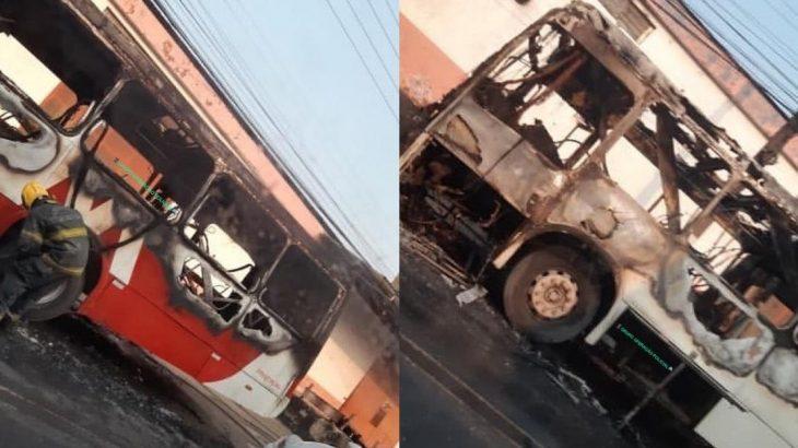 Em uma rede social, diversos internautas comentam sobre o real motivo da estrutura ter incendiado. (Reprodução/Internet)