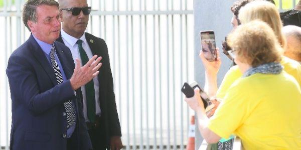 Bolsonaro reavaliou estratégia de se manter afastado das disputas municipais deste ano e embora não tenha revelado nomes, disse que tem candidato em três cidades do País (Reprodução/ Internet)