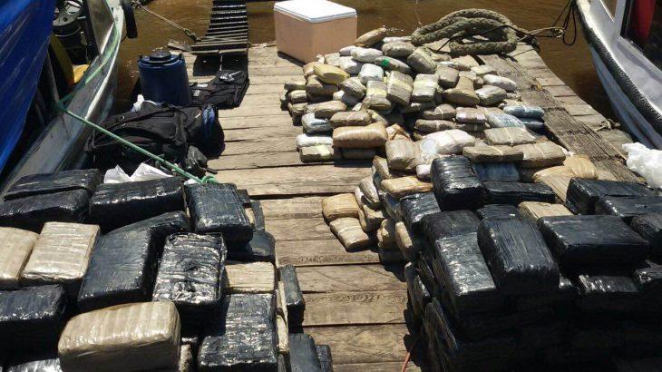 Imagem ilustra o montante de droga apreendida durante operação do DRCO. Foto: Reprodução