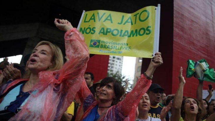 Manifestantes apoiam ato em favor da Lava Jato em São Paulo em março de 2019 (Divulgação Reuters)