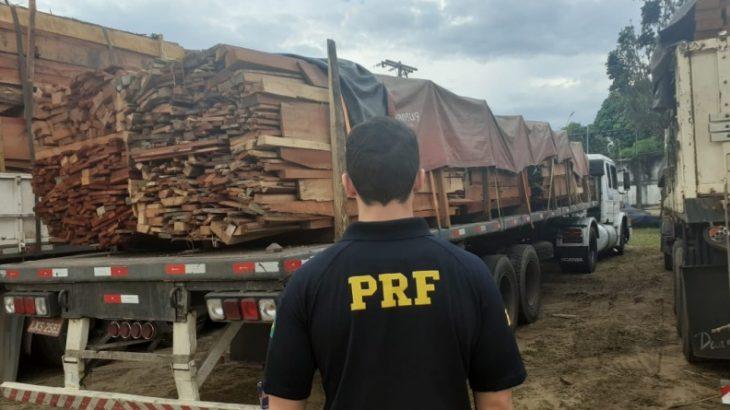 Os policiais realizavam fiscalização de rotina quando abordaram os veículos que vinham do Estado de Roraima (Divulgação/ PRF)
