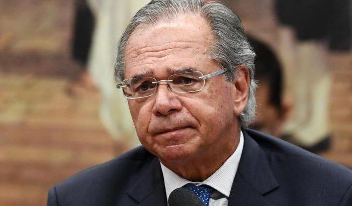 Em sentença, a juíza Cláudia da Costa ressaltou que não é permitido expressão de discursos que incentivem o ódio e discriminação de categorias. (Evaristo Sá/AFP)