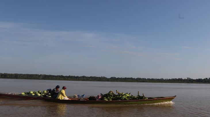 Ribeirinhos no rio Madeira em Nova Olinda do Norte, no Amazonas. (Ricardo Oliveira/Revista Cenarium)