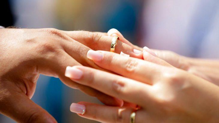 Além das suspensões citadas, a Corregedoria-Geral de Justiça indica que casamentos civis realizados em demais ambientes devem obedecer o limite de 50% da capacidade do local do evento, (Chico Batata/CGJ)