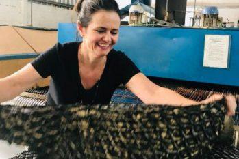 Denise Gerassi, especialista em acessórios em couro de pirarucu (Foto: Divulgação)