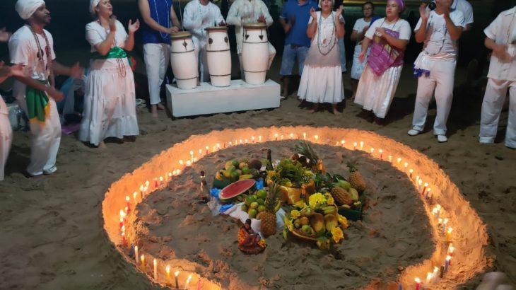 Festa de Iemanjá em Manaus é considerada o terceiro maior evento em homenagem à Rainha das águas, orixá adorado e cultuado por milhões de brasileiros (Reprodução/Aratrama)