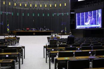 De acordo com o texto, a CNH terá validade de dez anos para condutores com até 50 anos de idade (Maryanna Oliveira/Câmara dos Deputados)