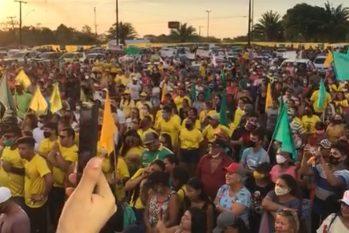 Evento ocorreu no estacionamento do Centro de Convenções do município do interior do Amazonas (Reprodução)
