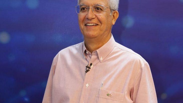 O pré-candidato a prefeito de Manaus questionou se a vivência política de outros pré-candidatos representa um ganho para a capital (Divulgação)