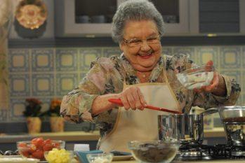 Após internação, Palmirinha Onofre tranquiliza fãs: 'Ainda vou cozinhar bastante'